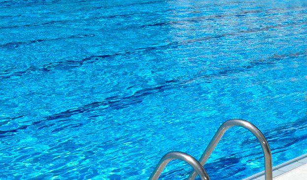 El lunes 5 de junio arranca la campaña de verano de baños en la piscina del Complejo Deportivo Municipal Alhóndiga-Sector III