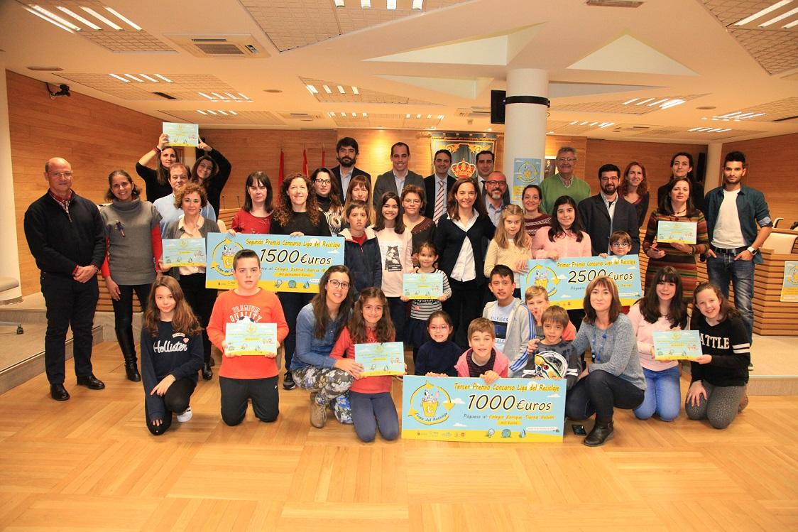El colegio Vicente Ferrer de Getafe ha logrado el primer premio de la 'Liga de reciclaje'