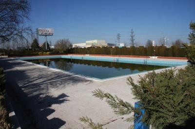La piscina de verano del Complejo Acuático Municipal Alhóndiga Sector III se abre de nuevo al público