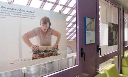 El Hospital de Getafe acoge una exposición para concienciar sobre la vida con urticaria crónica