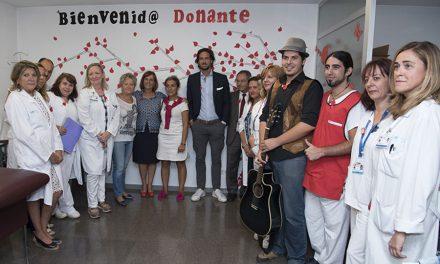 Exposición del Hospital de Getafe sobre las actividades especiales para fomentar la donación en verano