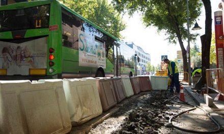 Mejoras en las paradas de autobuses en Pinto