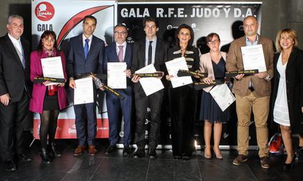 La Federación de Judo concede el cinturón negro al Ayuntamiento de Pinto
