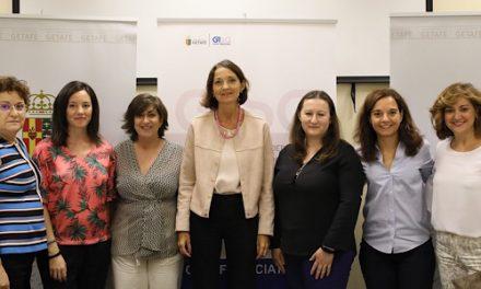 La ministra de Industria, Comercio y Turismo, Reyes Maroto, destaca el ejemplo de las mujeres emprendedoras de Getafe