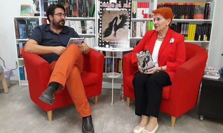 RosaMari Lorenzo Aguilera presenta 'Tirando del hilo', una novela negra que te enganchará desde el principio