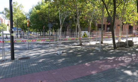 Comienzan las obras de reparación de las aceras de las avenidas Rigoberta Menchú y María Zambrano