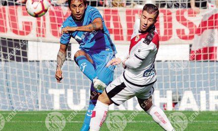 """El """"anti-fútbol"""" de Bordalás y la afición de Los cuatro gatos"""