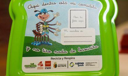 LYMA y ECOEMBES reparten las 'Sandwicheras de Concienciapiés' al alumnado de educación infantil