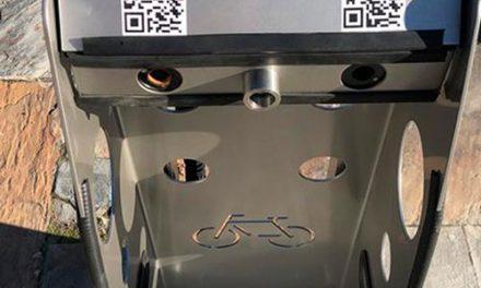 Instalación de ocho aparcabicis seguros en Pinto