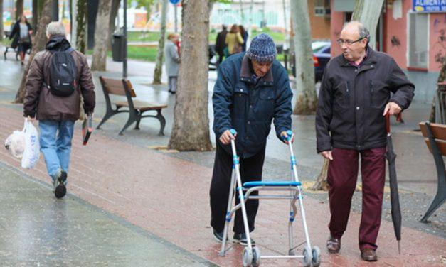 El Ayuntamiento de Getafe recuerda a las personas mayores solas que cuentan con el programa 'Contigo' de acompañamiento