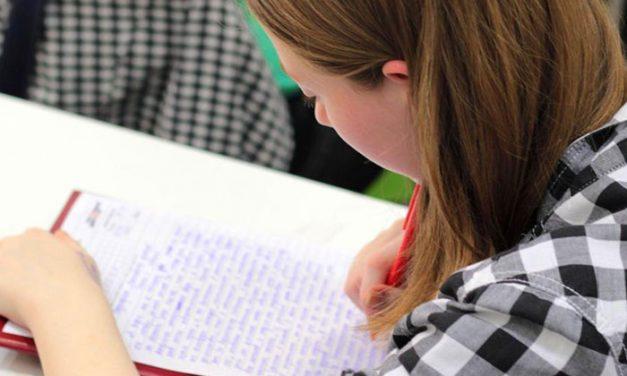 La Comunidad aprueba ayudas de 2.100 euros para reconocer la excelencia académica de estudiantes madrileños