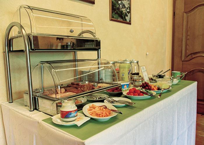 Opciones sin gluten en el buffet de un hotel