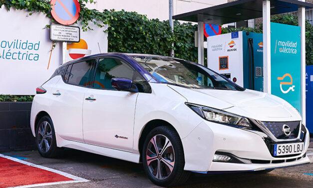 Nissan y Repsol firman un acuerdo de colaboración para promover la movilidad eléctrica